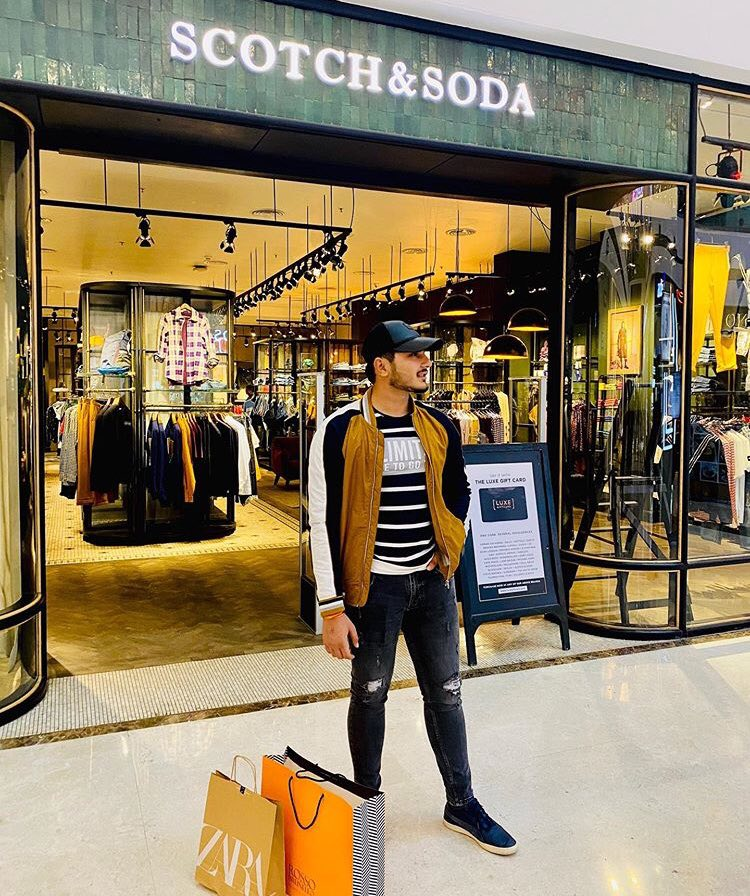Youngest lifestyle blogger from Greater Noida